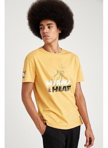 DeFacto Regular Fit NBA Lisanslı Bisiklet Yaka Tişört Sarı